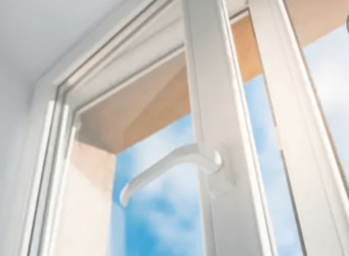 Comment nettoyer un châssis de fenêtre en aluminium ?